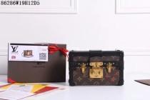 新品 ルイヴィトンコピー LOUISVUITTON モノグラム 斜め掛けショルダーバッグ 木柄定型バッグ レザー 86286-4