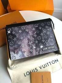 ルイヴィトンバッグコピー LOUIS VUITTON 2019新作 ポシェット・ヴォワヤージュ MM M44448