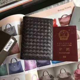 ボッテガヴェネタ財布コピー 2019新作 BOTTEGAVENETA パスポートケース bv3380-1