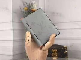 ルイヴィトン財布コピー LOUIS VUITTON 2020新作 二つ折り財布 M64505-4