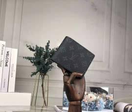 ルイヴィトン財布コピー LOUIS VUITTON 2019新作 二つ折り財布 M60895-1