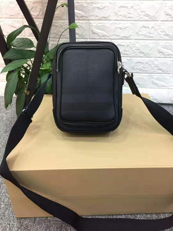 バーバリーバッグコピー BURBERRY 2019新作 ショルダーバッグ 900450-1