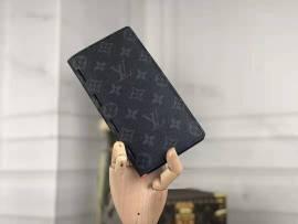 ルイヴィトン財布コピー LOUIS VUITTON 2020新作 二つ折長財布 M66541-3