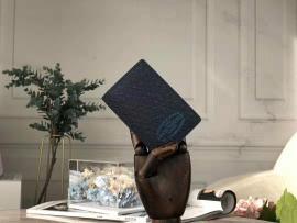 ルイヴィトン財布コピー LOUIS VUITTON 2019新作 二つ折り財布 M30377-1