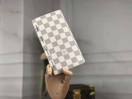 ルイヴィトン財布コピー LOUIS VUITTON 2020新作 二つ折長財布 M66541-2