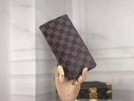 ルイヴィトン財布コピー LOUIS VUITTON 2020新作 二つ折長財布 M66541-6