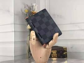 ルイヴィトン財布コピー LOUIS VUITTON 2020新作 二つ折り財布 M64505-2