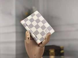 ルイヴィトン財布コピー LOUIS VUITTON 2020新作 二つ折り財布 M64505-3
