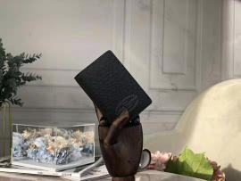 ルイヴィトン財布コピー LOUIS VUITTON 2019新作 二つ折り財布 M30377-2