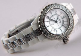 シャネルChanel J12 Ceramic Diamonds Ladies Taiwan versionクオーツ