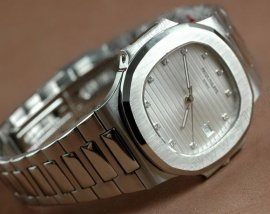 パテックフィリップPatek Philippe Nautilis Jumbo White Diamonds自動巻き